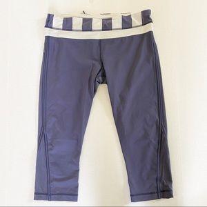 Lululemon navy blue and white size 10 capris